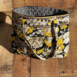Vera Bradley Retired Dogwood Quilted Bag Tote